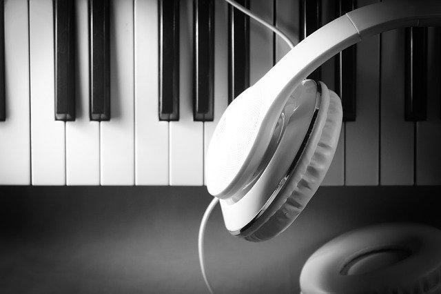 הקלטת פסנתר ושירה