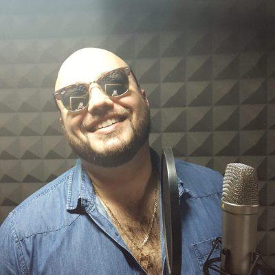 להקליט שיר באולפן